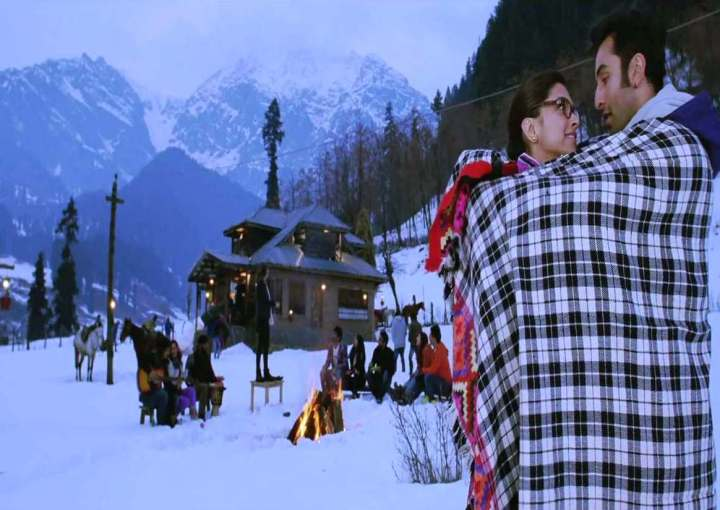 yeh-jawaani-hai-deewani-movie-wallpaper-27.jpg